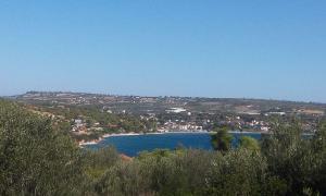 Land Plot Loutra Oraias Elenis 650 m2