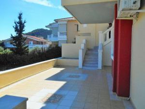Apartment 150 m², Saronikos, Corinthia
