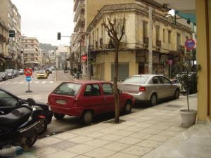 Business building 280 m² Serres