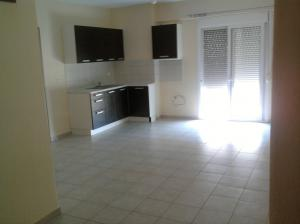 Unigue Opportunity-Entire 2nd Floor-Six apartments