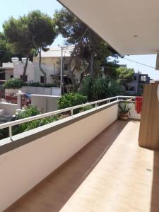 Πωλειται διαμερισμα 3ου οροφου 70τμ,2 υ/δ στη Ραφηνα,κοντ