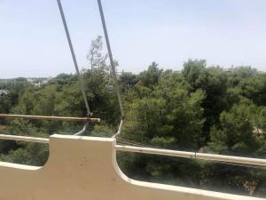 Δυαρι τελ.οροφου 35τμ,1υδ,μεγαλη βεραντα,μπροστα σε παρκ